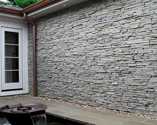 Natural Stone Veneer shown in Silver Ledgestone